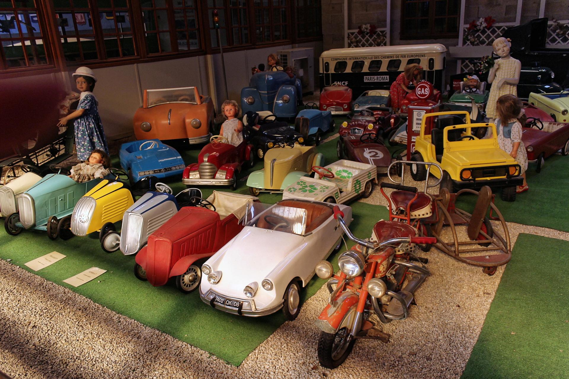 Pedal Cars - Reims
